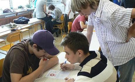 Mistrovství České republiky středních škol v piškvorkách