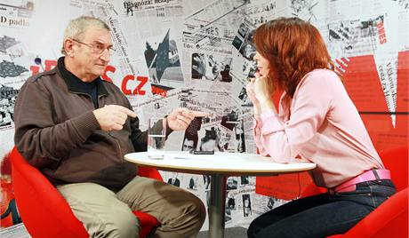 Rozhovor Barbory Tachecí s Jiřím Křižanem.