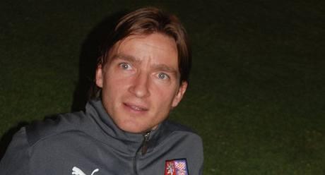 Vladimír Šmicer na tréninku reprezentace ve Spojených arabských emirátech