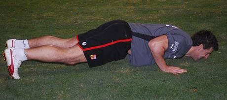 Luděk Klusáček při tréninku ve Spojených arabských emirátech