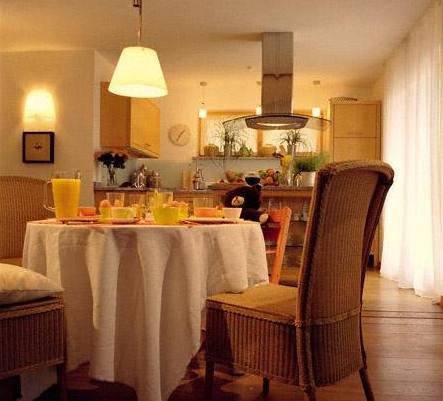 Je-li v místnosti více svítidel, měly by mít v nich použité zdroje světla stejnou barvu