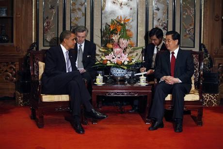 Americký prezident Barack Obama s čínským prezidentem Chu Ťin-tchaem (16. listopadu 2009)