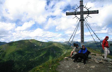 Rakousko, vrcholek nad Hochschoberem – až sem se dá dojít naboso – tedy v neoprénových ponožkách