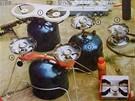 Příslušenství k plynovým bombám - vařiče, lampy, teplomety. Například vařič Palavan (1) stál 320 Kčs/katalog Magnet