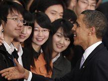 Obama mezi studenty v Šanghaji (16.11.2009)