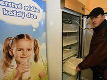 Zdeněk Plocek ze Zálesné Zhoři umístil v Rosicích první automat na mléko