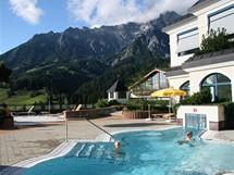 Rakousko. Wellness areál hotelu Übergossene Alm má 1700 metrů čtverečních