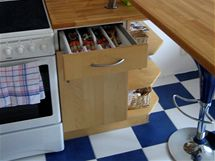 Kuchyně pro dva na pěti metrech čtverečních za 30 tisíc korun