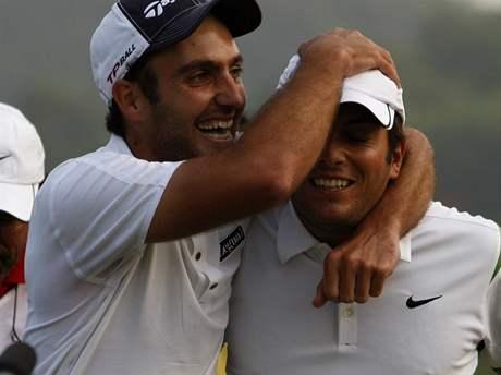 Světový pohár 2009 - Edoardo Molinari (vlevo), Francesco Molinari, vítězní Italové.