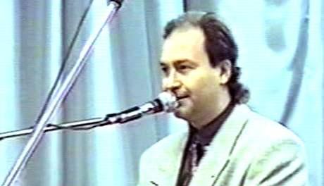 Michal David na Mr�zkov� z�bavn� akci v �esk�m Brod� (21. ledna 1995)