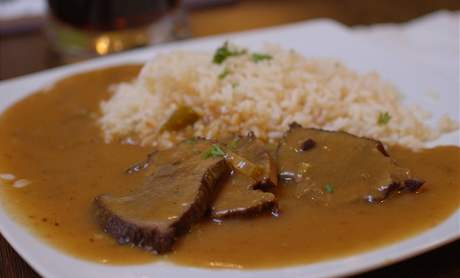 Restaurace Zlatá muška - Znojemská pečeně
