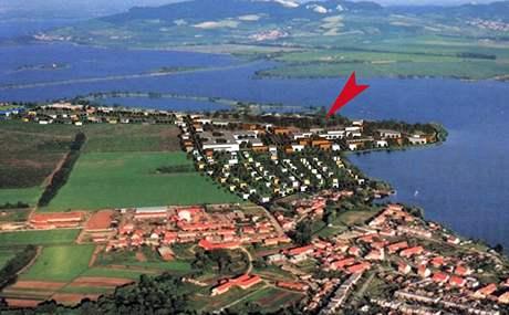 Lokalita v Pasohlávkách, kde by měl vzniknout lázeňský areál.