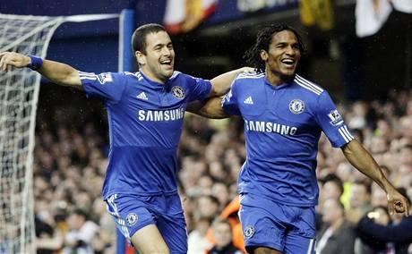 Chelsea: Florent Malouda (vpravo) a Joe Cole se radují z gólu