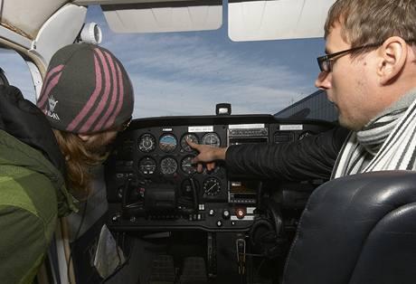 Ruda Havlík si vyzkoušel, jaké to je řídit letadlo, a přežil