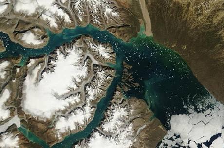 Grónsko na satelitním snímku NASA