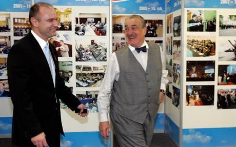Ivan Langer a Karel Schwarzenberg na kongresu ODS. (21. listopadu 2009)