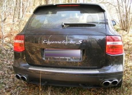 Porsche Cayenne ukradené v Rakousku a schované v jihočeském lese.