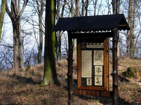 Tabule naučné stezky v přírodní rezervaci Drbákov-Albertovy skály