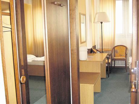Bývalý hotel Legner, Praha 4-Libuš