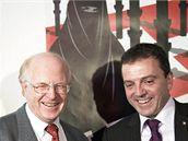 Ulrich Schlueer, člen Švýcarské lidové strany, a Walter Wobmann z iniciativy Proti stavbě minaretů (29. listopadu 2009)