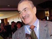 Karel Schwarzenberg přijímá gratulace