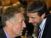 Předseda ODS Mirek Topolánek a pražský primátor Pavel Bém na kongresu ODS. (22. listopadu 2009)
