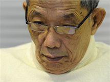 Někdejší velitel hlavní věznice Rudých Khmerů Kan Kek Ieu (zvaný Duch) před soudem (23. listopadu 2009)