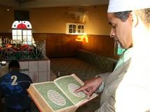 Jihoafrická republika. Interiér mešity v Kapském Městě