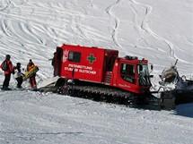 Rakousko, Stubai. Příjezd záchranné služby k úrazu