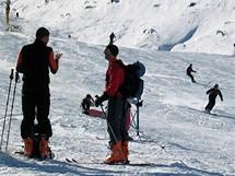 Rakousko, Stubai. Už v říjnu jezdí na ledovec skialpinisté