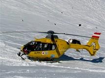 Rakousko, Stubai. Přílet záchranného vrtulníku k úrazu