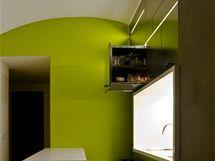Originální kuchyně s šuplíkovou stěnou a