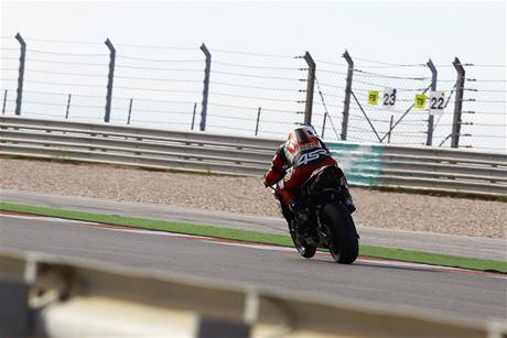 Yamaha R1 mistra světa Bena Spiese