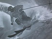 Rakousko, Montafon, 30. léta. Na počátku se lyžovalo jen s jednou hůlkou