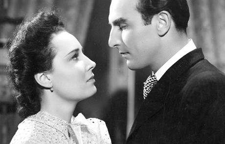 Lída Baarová s Raoulem Schránilem ve filmu Za tichých nocí (1942)