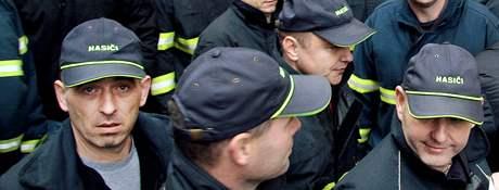Demonstrace hasičů a policistů za zvýšení mezd. (9. prosince 2009)