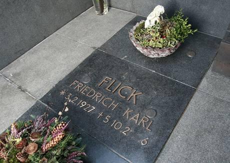 Flickův náhrobek na hřbitově v rakouském Veldenu