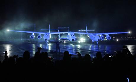 SpaceshipTwo při slavnostním odhalení (7. prosince 2009)