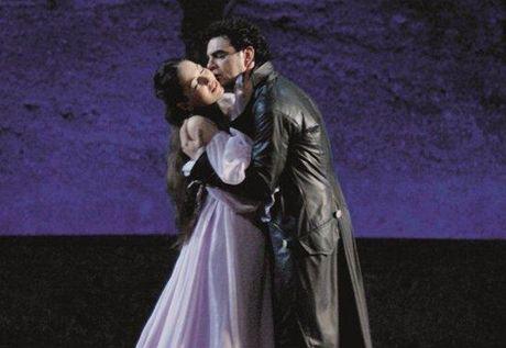Nino Machaidze a Rolando Villazon jako Romeo a Julie