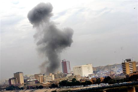 Výbuch v centru iráckého Bagdádu. (8. prosince 2009)