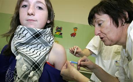 V brněnské Dětské nemocnici očkují proti prasečí chřipce