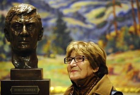 Autorkou busty Borise Rösnera je Věra Růžičková
