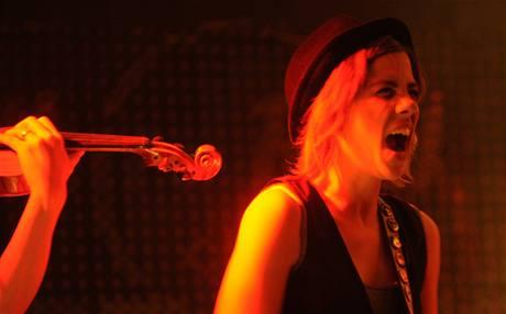 Aneta Langerová pokřtila 4. prosince 2009 v pražském Hard Rock Café nové album Jsem