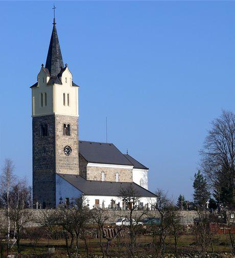 Původně románský kostel v Obděnicích skrývá mj. Krčínův epitaf