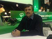 Na sjezd Strany zelených dorazil i malíř Vladimir Zubov, manžel poslankyně Olgy Zubové, která byla ze strany vyloučena. Chce ji bránit, kdyby ji politici uráželi