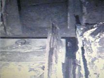 Záběry z hrobky Rožmberků, do které se lidé podívali po téměř 400 letech. Některé dřevěné rakve se dochovaly v překvapivě dobrém stavu.