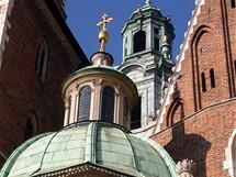 Polsko, Krakow. Kaple katedrály na Wawelu