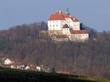 Pohled na hrad Vysoký Chlumec od počepické křížové cesty