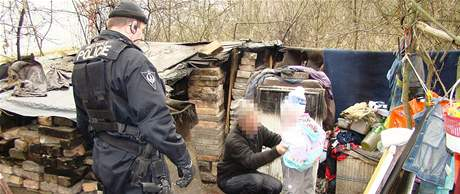 Brněnští strážníci našli poblíž nádraží v Maloměřicích celostátně hledanou matku i s její pětiletou dcerou
