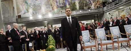 Americký prezident Barack Obama si v Oslu převzal Nobelovu cenu za mír. (10. prosince 2009)
